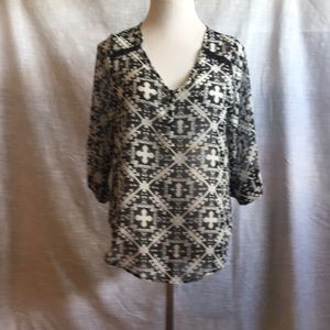 EUC Large Wishful Park 3/4 Sleeve V Neck Blouse